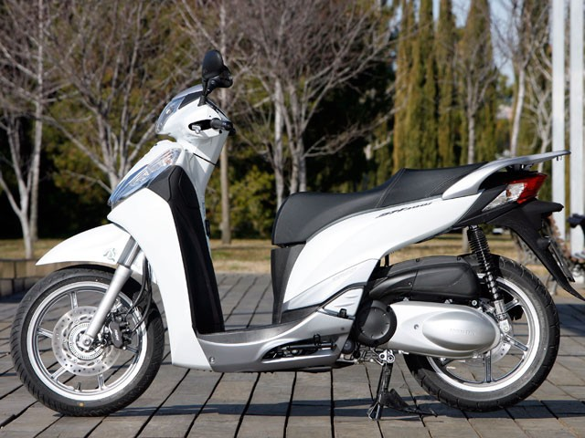 honda-sh-300-scoopy-right.jpg